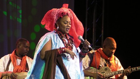 Fantani-Touré-festival-international-feminin-bord-fleuve-palais-culture-artiste-musique