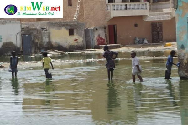 Inondation-Les-jeunes-assainissent-Sebkha2