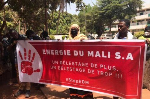 Article : Dispersion de  manifestants contre des coupures de courant à Bamako